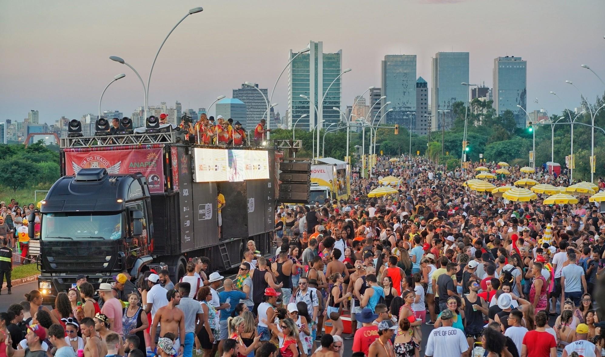 Carnaval de rua começa neste sábado em Porto Alegre; confira a programação