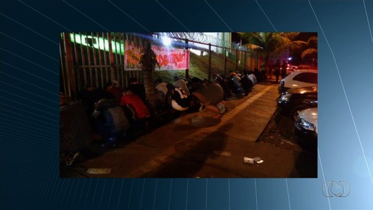 Operação fecha festa com adolescentes e regada a drogas em boate de Goiânia
