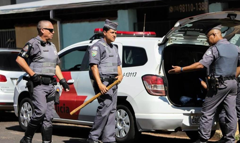 Homem é agredido a pauladas após desentendimento em Araraquara  - Noticias