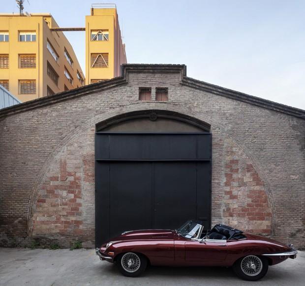 Em Barcelona, teatro abandonado vira coworking moderno (Foto: Divulgação)