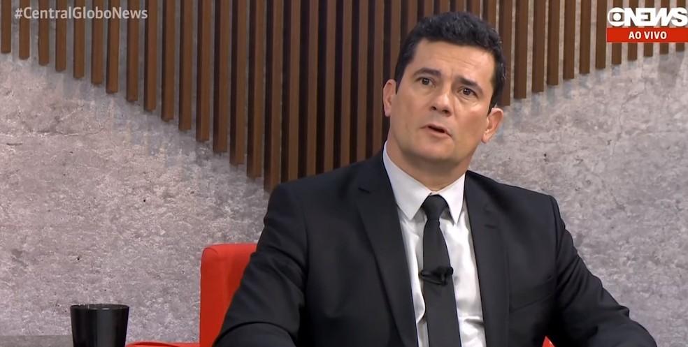 O ministro da Justiça, Sérgio Moro, durante entrevista à GloboNews nesta quarta-feira (15) — Foto: Reprodução