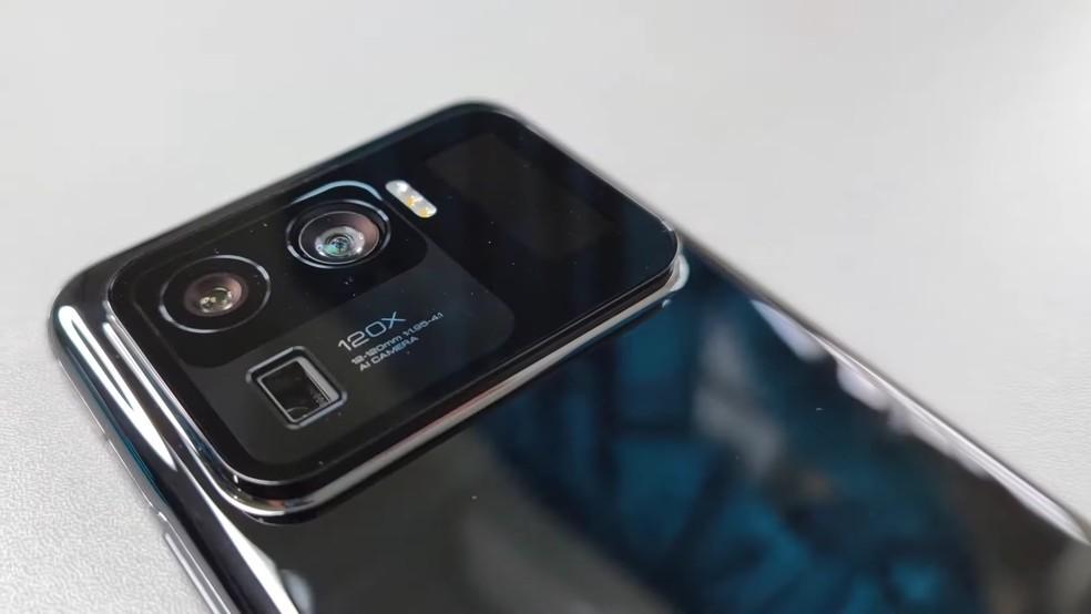 Xiaomi Mi 11 Ultra deve vir com módulo protuberante de câmera e três lentes de até 50 MP — Foto: Reprodução/Tech Buff