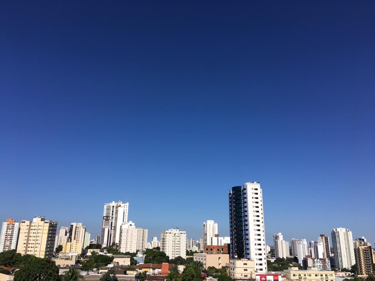 Umidade relativa do ar deve chegar a 11% nesta semana em Cuiabá; nível é considerado crítico