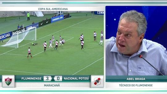 """Abel Braga reclama de vaias da torcida e diz: """"Tô irritado"""""""