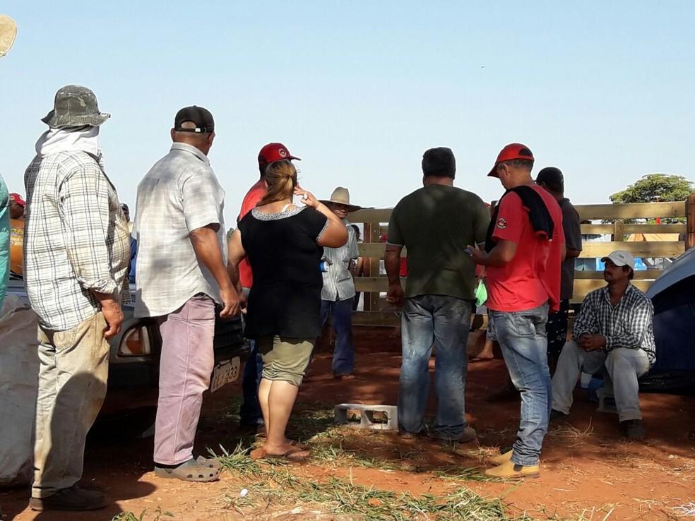 Propriedade rural foi invadida em Rancharia (Foto: Betto Lopes/TV Fronteira)