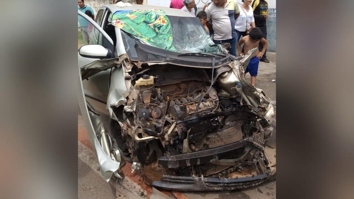 Dois acidentes de trânsito ocorrem quase que simultaneamente na Trav. Silva Jardim, em Santarém - G1
