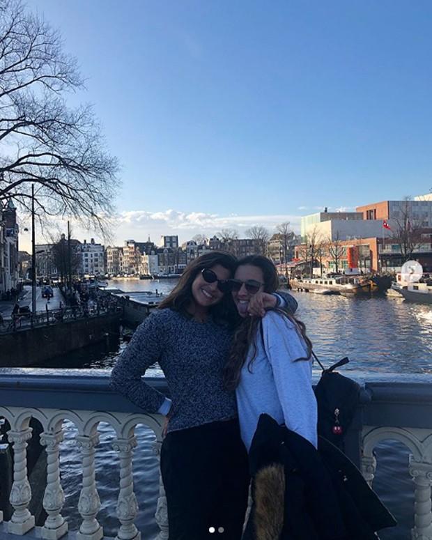 Giulia Costa e Lara Kapps (Foto: Reprodução/Instagram)