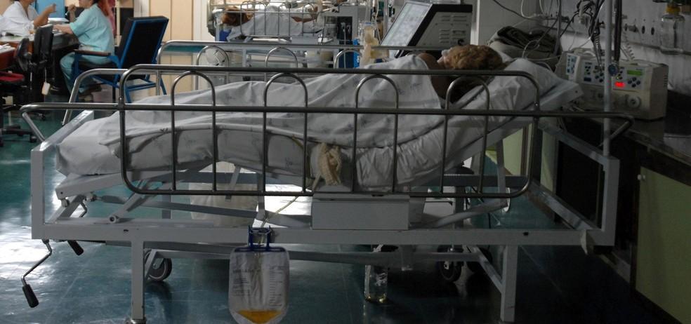 Infecções hospitalares e dosagem incorreta de medicamento estão entre causas de mortes em hospitais — Foto: Agência Brasil