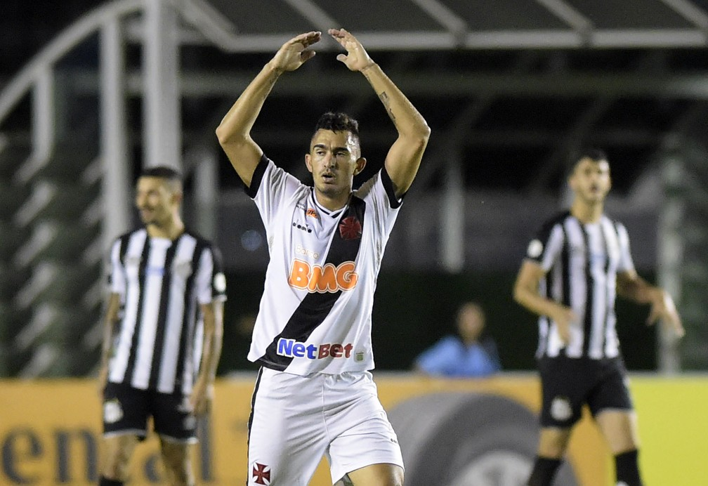 Raul em ação pelo Vasco — Foto: André Durão