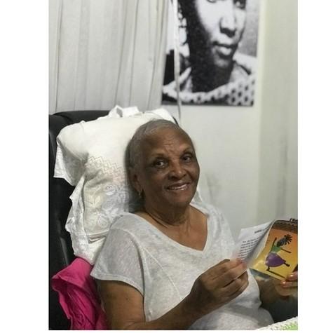 Chica Xavier em sua casa, no Rio de Janeiro (Foto: Arquivo pessoal )