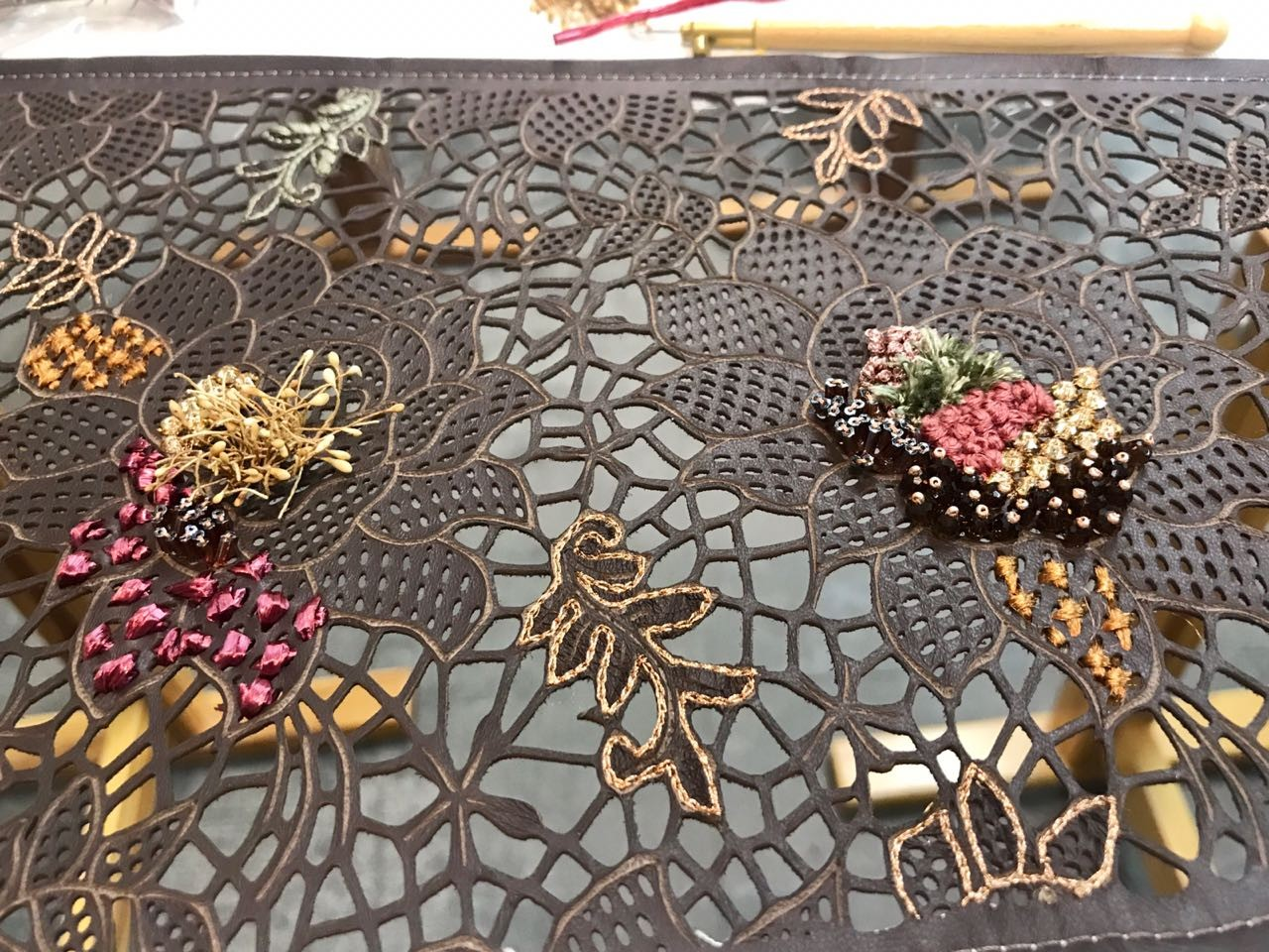 Natalia Rios cria bordados para a Patricia Viera (Foto: Divulgação)