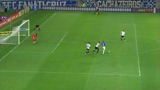Reforço mais caro do Cruzeiro, David supera lesões, aproveita chance e deixa boa impressão