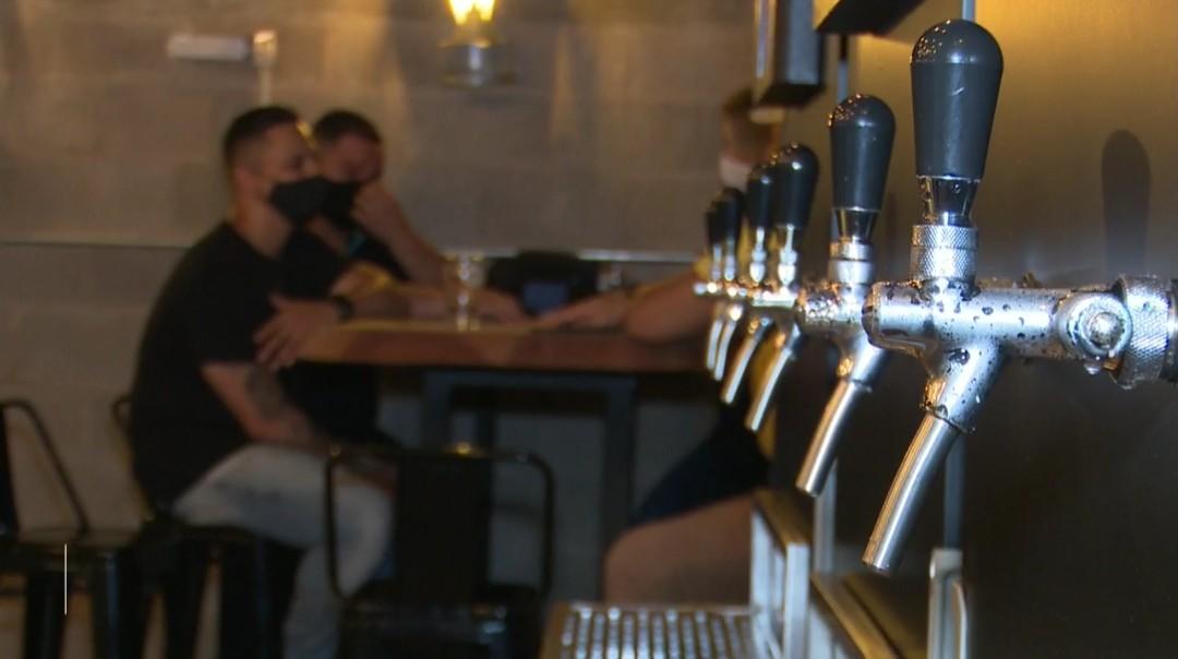 Governo libera bares e restaurantes a funcionarem sem restrição de horários no Acre