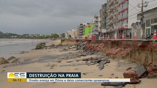 Erosão avança em Piúma e deixa comerciantes apreensivos no ES