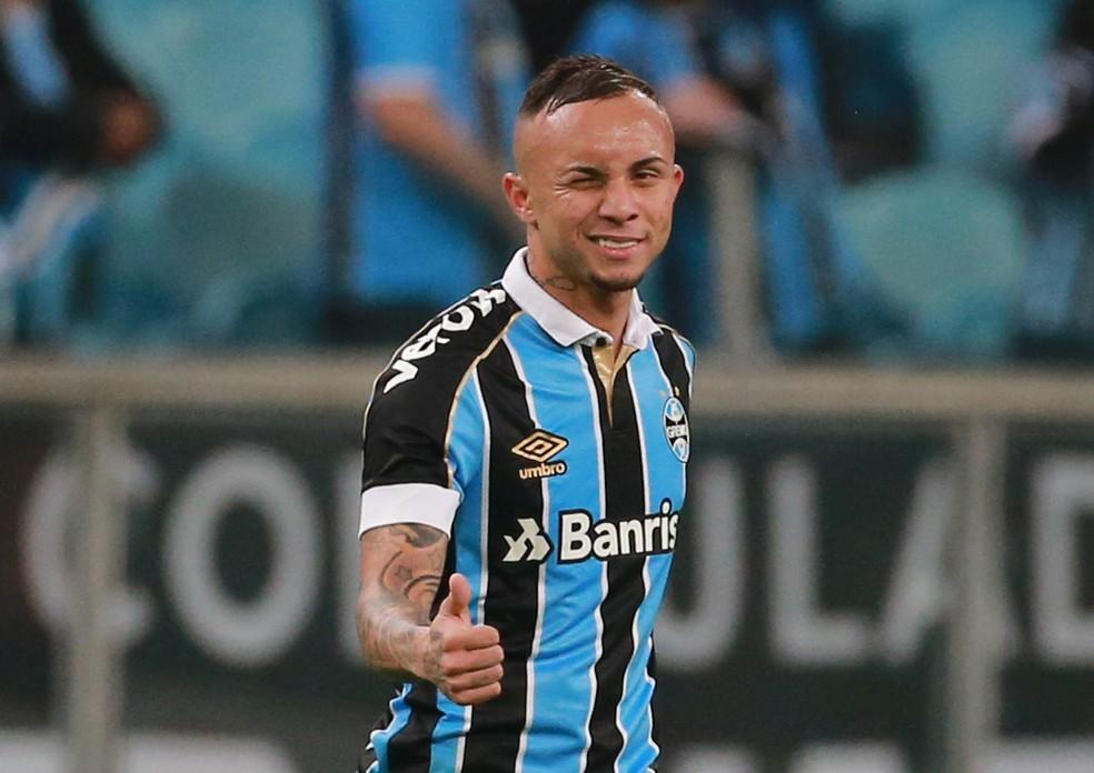 Everton é a principal arma do Grêmio — Foto: Diego Vara/Reuters