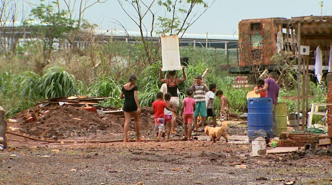 Chuva volta a causar transtornos e preocupa moradores de comunidade afetada em Ribeirão - Radio Evangelho Gospel