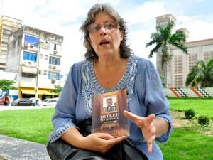 A pesquisadora Simoni Renée Guerreiro Dias defende que Hitler tinha interesses em Mato Grosso. (Foto: Renê Dióz/G1)