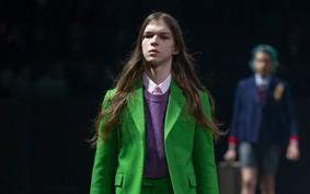Gucci critica a masculinidade tóxica em desfile na Semana de Moda de Milão