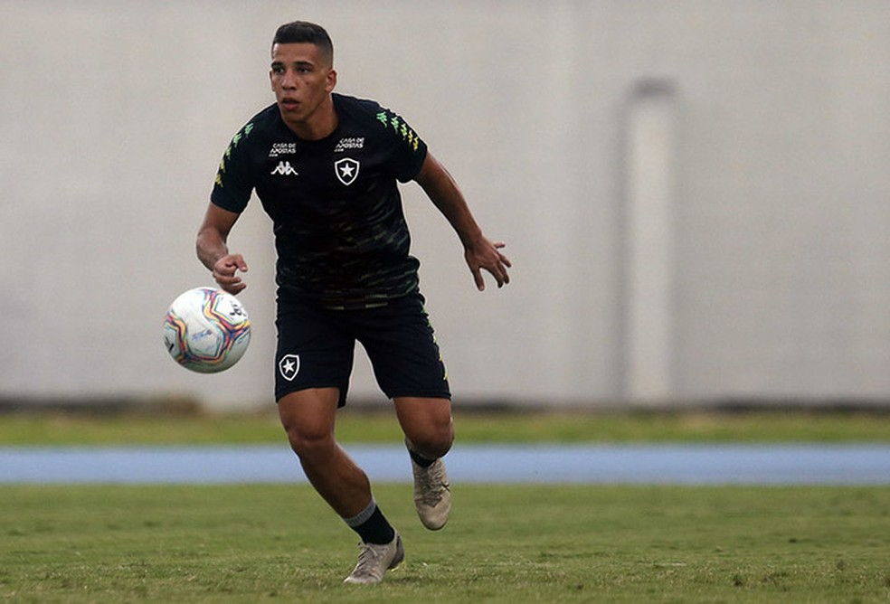 Wendel, meia da base do Botafogo — Foto: Vitor Silva/Botafogo