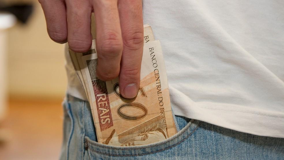 Contribuinte pode ter algum valor a ser restituído, mesmo sem ser obrigado a declarar Imposto de Renda (Foto: Marcos Santos/USP Imagens)