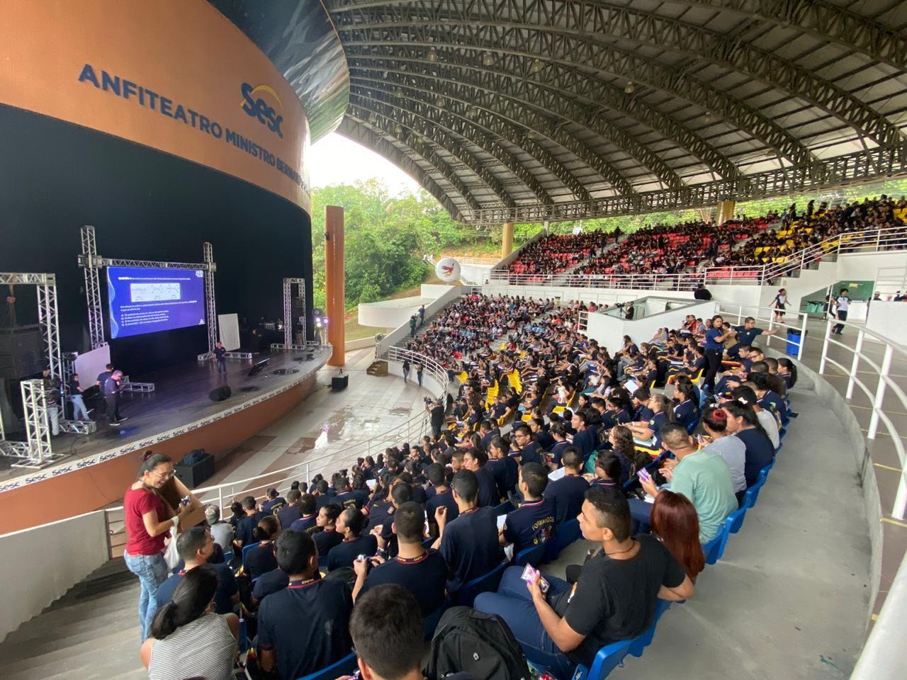 Primeiro dia de Aulão na Rede tem revisão de cinco disciplinas, em Manaus - Notícias - Plantão Diário