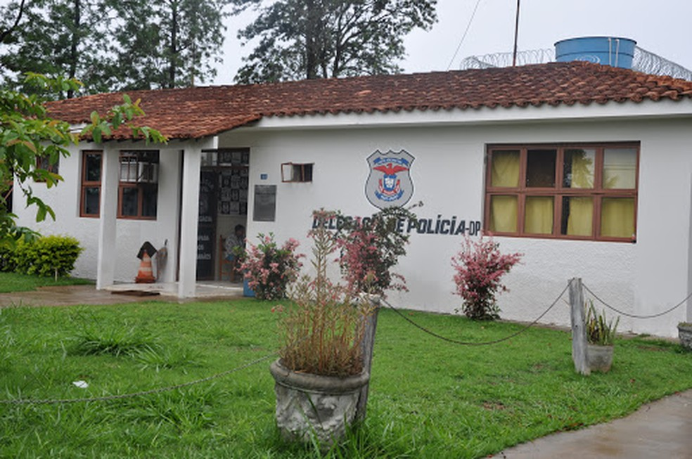 Suspeito foi levado para a delegacia de Polícia Civil — Foto: Polícia Civil