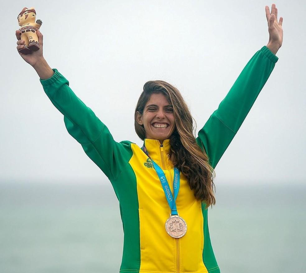 Nicole festeja a medalha de bronze nos Jogos de Lima — Foto: Arquivo pessoal