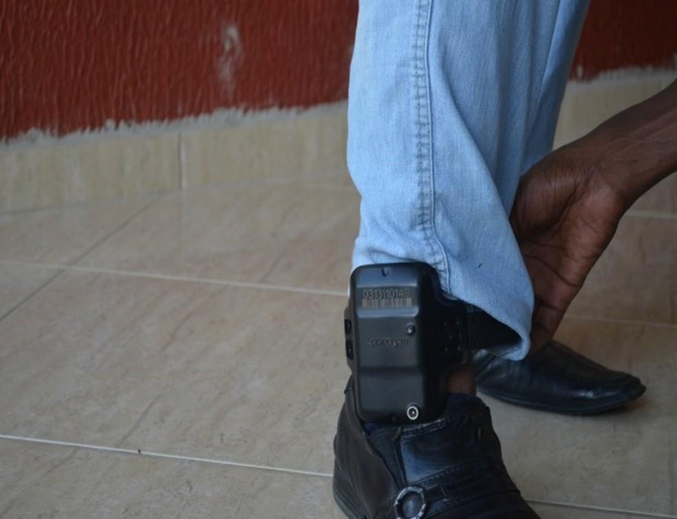Foragido rompe tornozeleira de monitoramento para tentar fugir de Porto Velho e é preso (Foto: Franciele do Vale/G1)