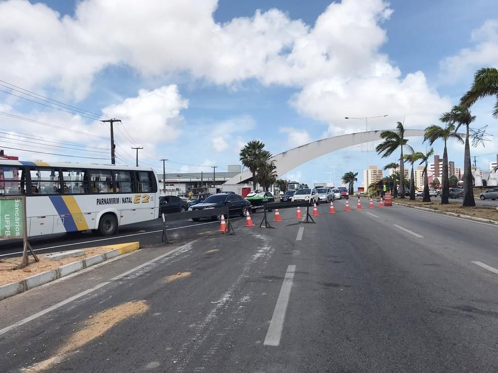 Em Natal, BR-101 deve permanecer interditada por seis meses para a construção de um novo viaduto (Foto: Kleber Teixeira/Inter TV Cabugi)
