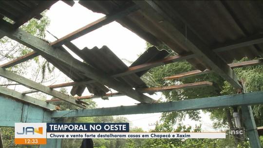 Chuva e granizo provocam estragos em SC; cidades do Oeste têm rodovias interditadas e falta de luz
