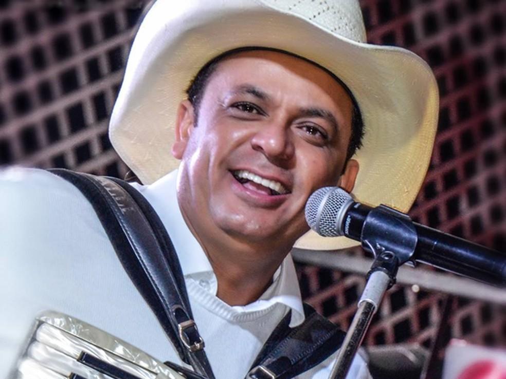 Cantor Frank Aguiar comemora 25 anos de carreira em 2016 — Foto: Divulgação/Site Frank Aguiar