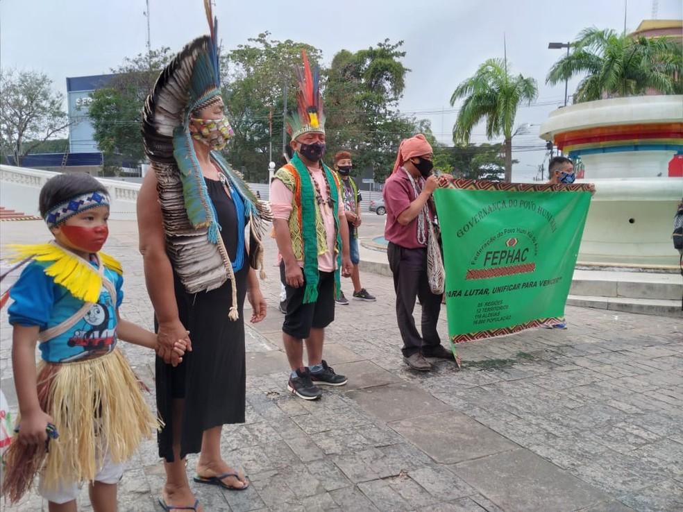 Pelo menos 18 povos fazem parte do protesto em Rio Branco — Foto: Lidson Almeida/Rede Amazônica Acre