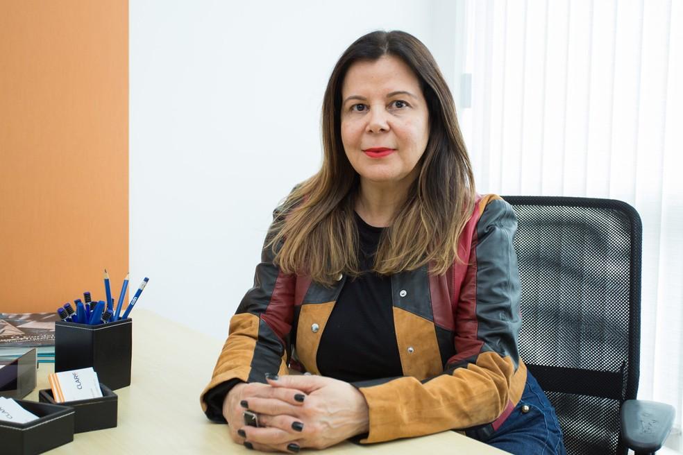 2017: Cláudia em dezembro de 2017, vislumbrando melhora dos negócios após perda de clientes — Foto: Marcelo Brandt/G1