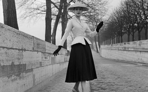 Bar Jacket da Dior: uma breve história da icônica peça que celebra 73 anos