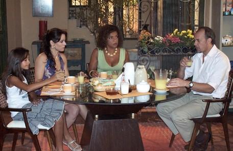 Com Paulo César Grande, Cláudia Mauro e Elisa Lucinda em cena de 'Páginas da vida' (2007) TV Globo