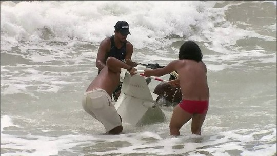 Globocop cai em praia do Recife e deixa 2 mortos