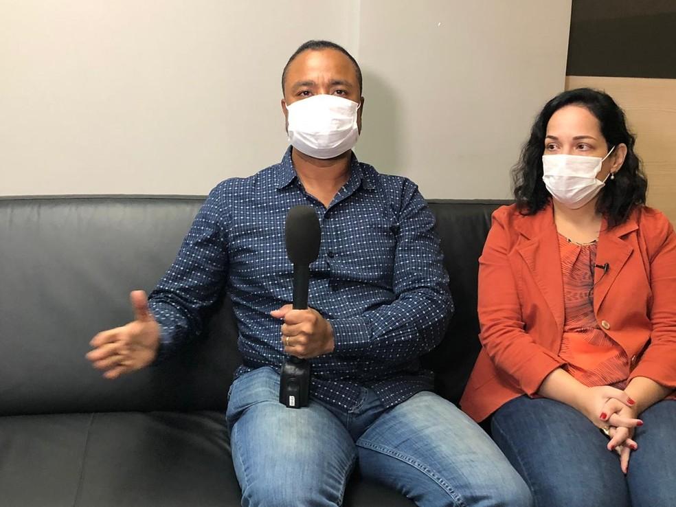 Casal viralizou após contestar ação da Vigilância Sanitária no Rio — Foto: Carlos Brito/G1 Rio