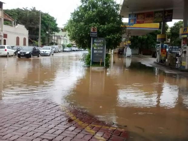Posto foi atingido pela enchente em Paraíba do Sul (Foto: Willian Moreira dos Santos/Arquivo Pessoal)