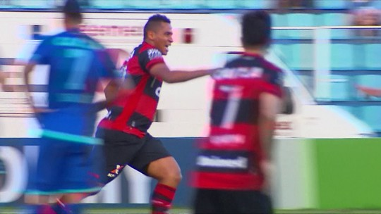 Chutaço de Walter é o gol mais bonito do Brasil no fim de semana