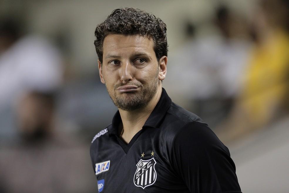 Elano, ex-jogador do Santos, revela conversa com Messi em 2011 — Foto: DANIEL VORLEY /AGIF/ESTADÃO CONTEÚDO