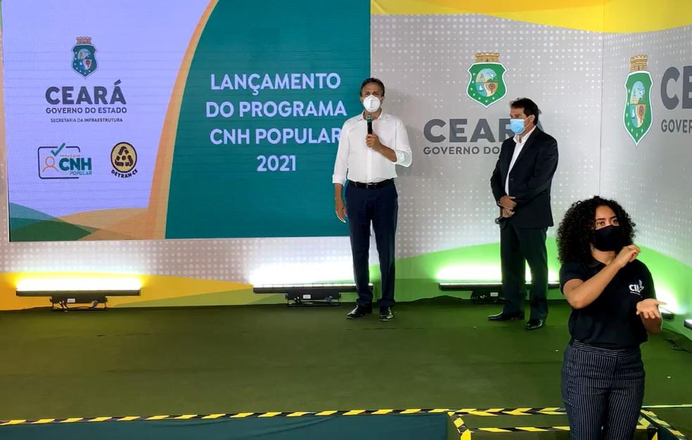 Evento de relançamento do programa CNH Popular para carros e motos. — Foto: Reprodução