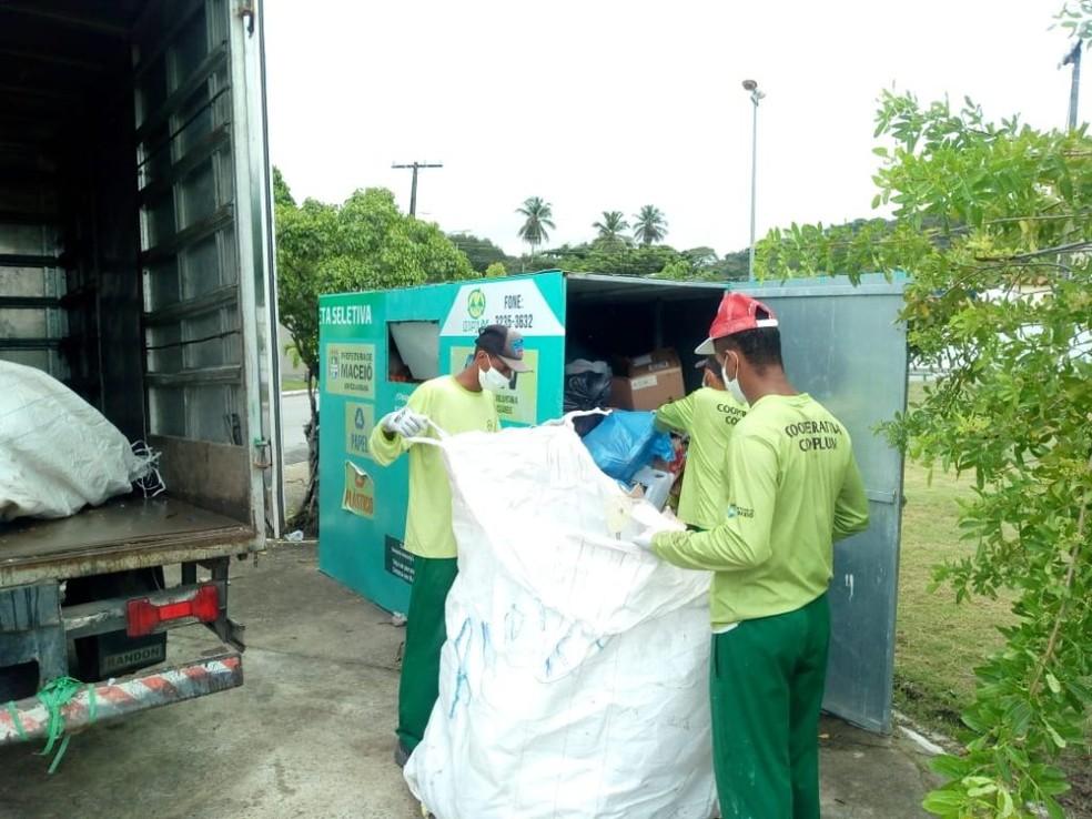 Com recolhimento suspenso, população deve levar material reciclado até pontos de coleta durante pandemia — Foto: Secom Maceió