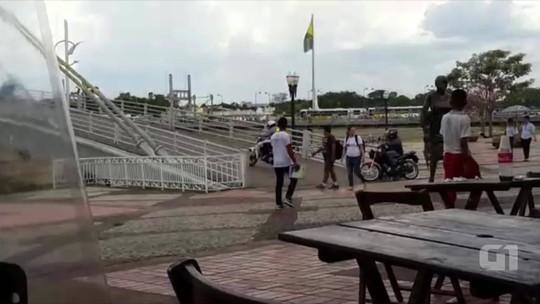 Vídeo mostra motociclistas trafegando em passarela exclusiva para pedestres em Rio Branco