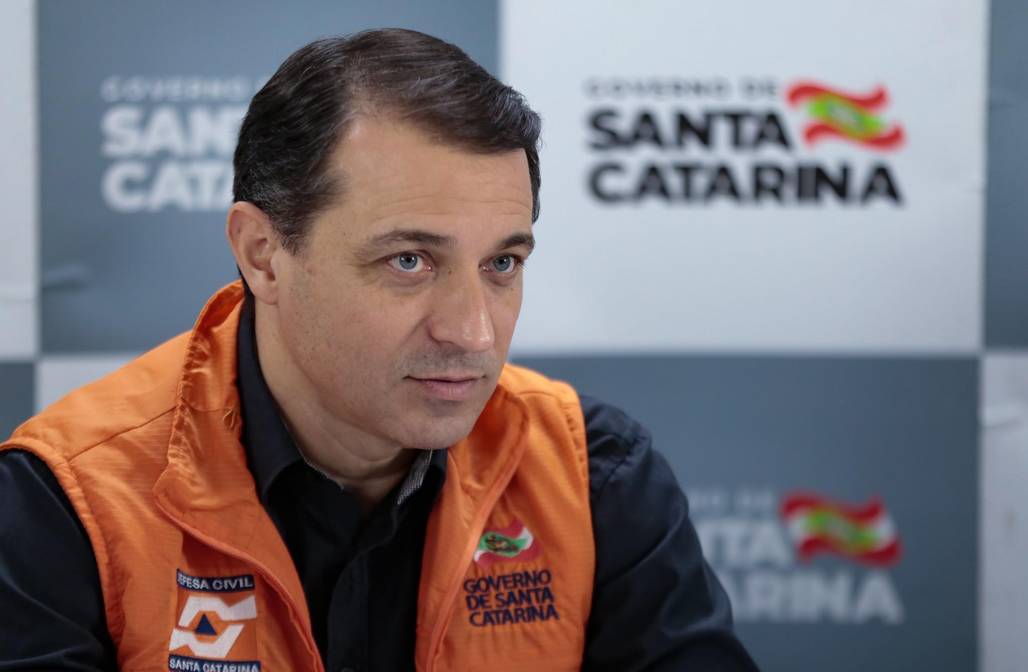 Governador de SC, Carlos Moisés é absolvido em processo de impeachment e retorna ao cargo