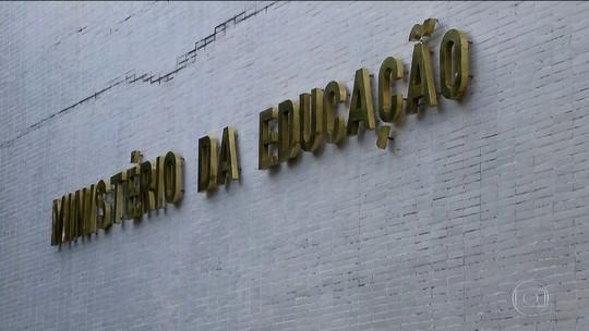 Governo usa reserva para liberar R$ 1,6 bilhão para a educação