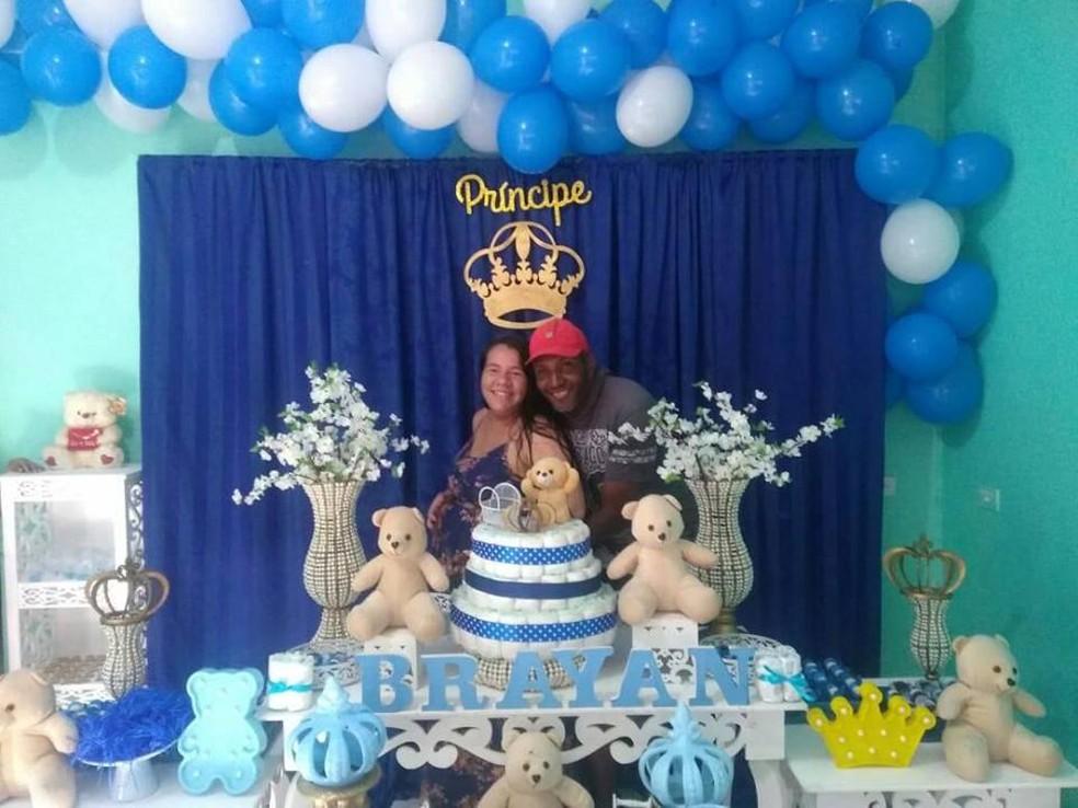 Ao G1, Luiz garante que a gravidez da esposa ocorreu normalmente, sem nenhuma complicação — Foto: Arquivo pessoal/Luiz Antonio dos Santos