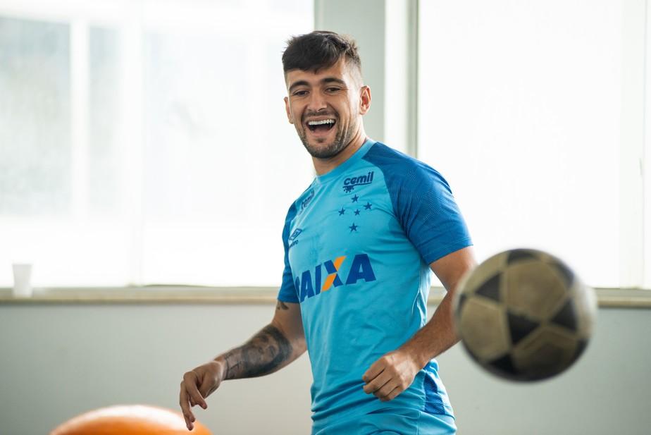 ... Flamengo e Cruzeiro acertam valor e negociam ajustes sobre  transferência de Arrascaeta 1f4d94d801b19