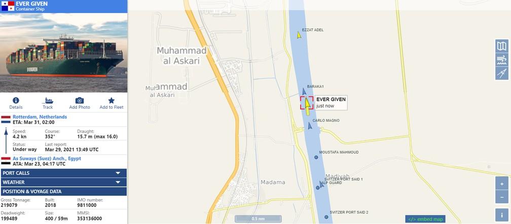 Imagem do site vesselfinder.com mostra o Ever Given já navegando pelo Canal de Suez na manhã desta segunda-feira (29) — Foto: Reprodução/vesselfinder.com
