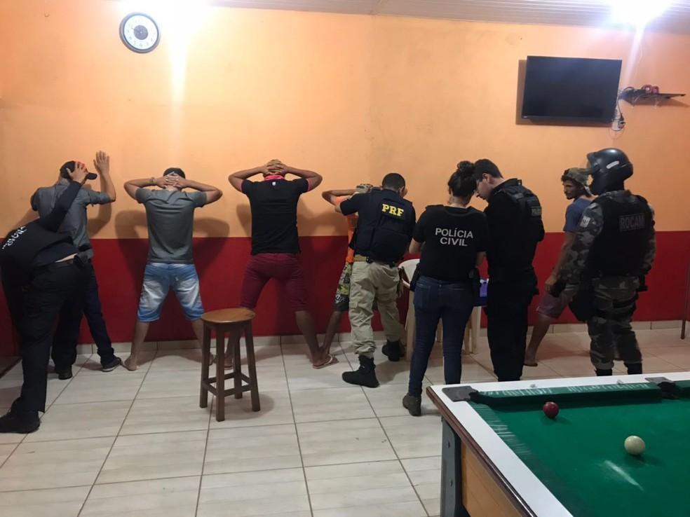 Diversas abordagens foram feitas na noite de sábado (5) em Dom Eliseu.  (Foto: Divulgação/ PRF)