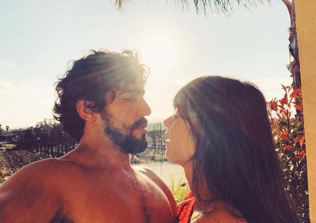 Apaixonados, Thaila Ayala e Renato Góes trocam declarações (Foto: Reprodução/Instagram)